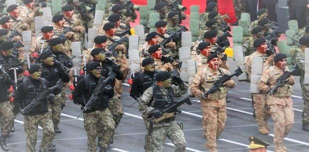 desfile del Ejército Peruano